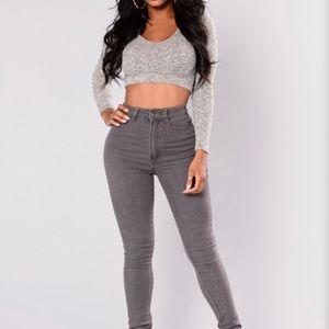 🔘 Gray Skinny Jeans 🔘